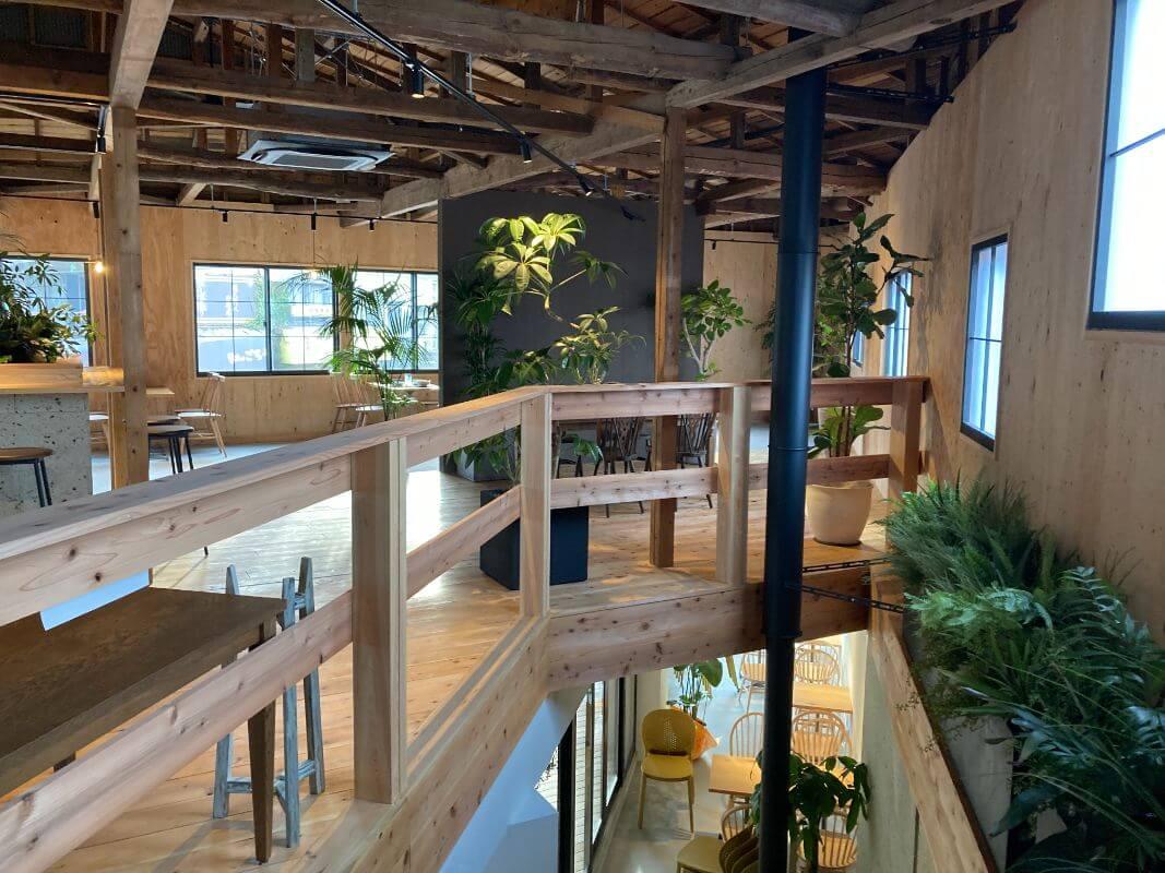 仙石原のカフェルデラ(LuDERA)2階の店内